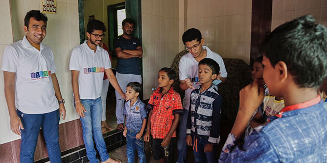 Vibgyor Foundation distributing toys